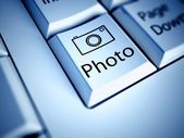 Keyboard with Photo button, internet concept — Stock Photo