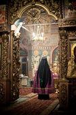 Moscou - 13 de março: liturgia ortodoxa com bispo mercúrio em alta — Fotografia Stock