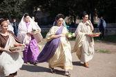 Girls in Roman costumes — Stock Photo
