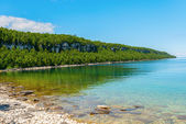 Bruce Peninsula Georgian Bay coastline and crystal clear water — Stock Photo