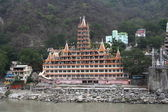 Trayambakeshvar (13-storey tower of the temple on the banks of the Ganges in Rishikesh, North India.) — Stock Photo