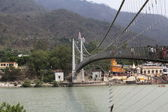 Pedestrian bridge in Rishikesh — Stock Photo
