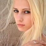 Девушка блондинка — Стоковое фото