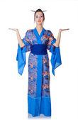 Joven mujer en kimono japonés — Foto de Stock