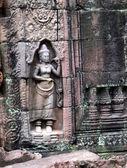 Ancient Ta prohn temple in Angkor, silk-cotton tree consumes the ancient ruins, Cambodia — Stock Photo