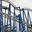 Binaries in a suggestive of a roller coaster track - Photo