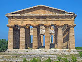 Precious and Ancient Greek temple with columns still intact — 图库照片