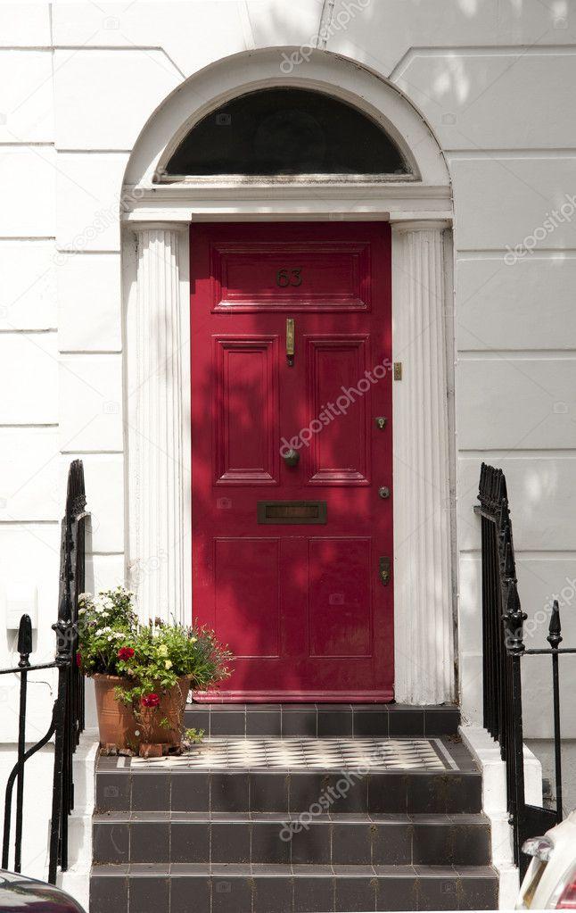Porta d 39 ingresso di casa tradizionale a londra foto for Piani di casa artigiano tradizionale