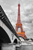 Eiffel tower monochrome and red — Stock Photo