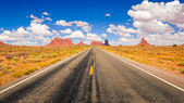 Monument valley road — Stock Photo