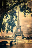 Eiffel tower monochrome vintage — Stock Photo