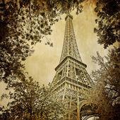 Eiffel tower and trees monochrome vintage — Stock Photo