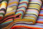 Traditionelle estnische bunte textilien — Stockfoto