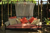 Bom sofá ao ar livre — Foto Stock
