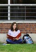GIrl studying outside — Stock Photo