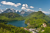 Alpsee lake and Hohenschwangau castle — Stock Photo