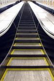 Escalator in motion — Zdjęcie stockowe