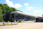 Modern building of the main pump room in center of Krynica resort — Stock Photo