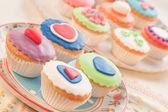 Barevné a dekorativní koláče. domácí vaření. — Stock fotografie