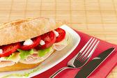 Sanduíche com presunto e queijo — Foto Stock