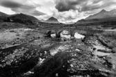 река в горный ландшафт — Стоковое фото