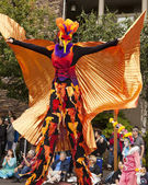 Stilt Walker In Bird Costume — Stock Photo