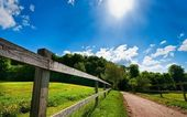 The fence along the trail — Stock Photo