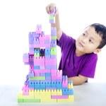 bouwen van lego blokken — Stockfoto