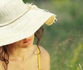 Bahar genç kadın — Stok fotoğraf