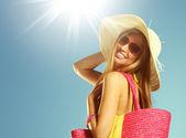 夏季度假的女人 — 图库照片