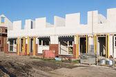 Строительство Семейные дома с силикатного кирпича на строительство s — Стоковое фото