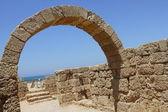 Die ausgegrabene und teilweise restaurierte ruine der caesaria — Stockfoto