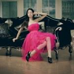 Beautiful fashionable luxury woman — Stock Photo
