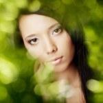 dziewczyna w Zielona poświata — Zdjęcie stockowe