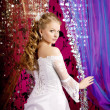 Luxury bride on a bright background — 图库照片