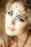 Luxury girl, like a leopard — Stock Photo