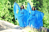 Two woman, twins in the forest — Stock fotografie