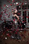 Kobieta luksus moda — Zdjęcie stockowe