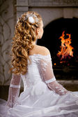 Luxusní nevěstu, svatební účes — Stock fotografie