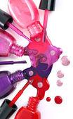 ñolored nagellack verschütten von flaschen — Stockfoto