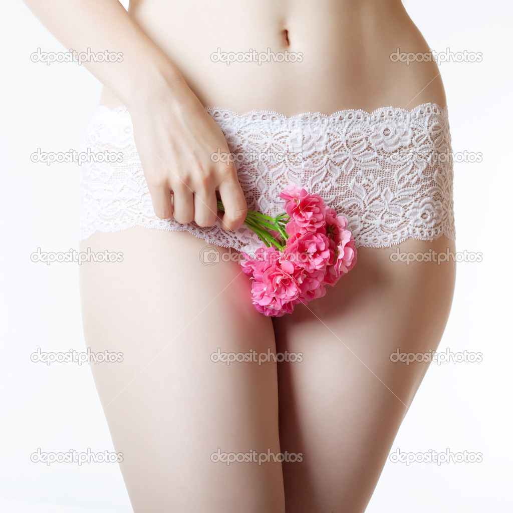 Узкая вагина девочки 11 фотография