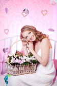 Beautiful spring woman — Stockfoto