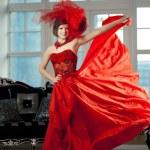 Femme en rouge — Photo