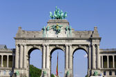 Triumphal Arch in Cinquantennaire Park — Stock Photo