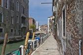 улица в венеции, италия — Стоковое фото