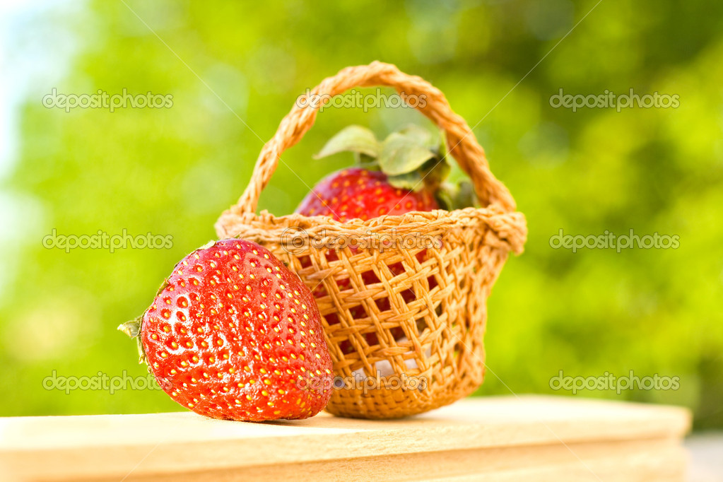 Fresh strawberries-healthy food — Stock Photo #10762985