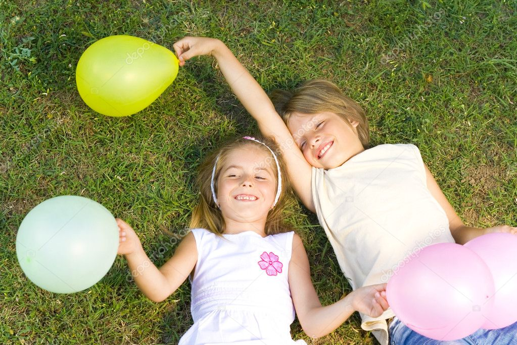 Happy kids  with balloons-joy — Stock Photo #11572531