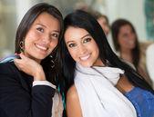 Compradores mujeres felices — Foto de Stock