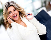 Nákupní žena na telefonu — Stock fotografie