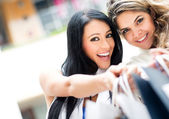 Girls out shopping — Stock Photo
